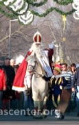Sinterklaas making his way from Windmill Park to the Town Hall