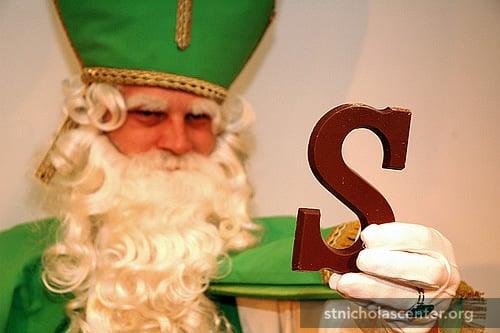 Sinterklaas en zijn groene letter