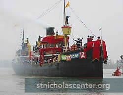Sinterklaas boat coming into harbor