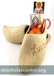 Wooden shoe with treats